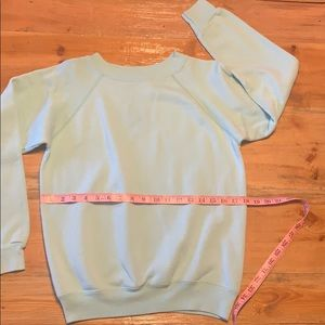 Hanes Tops - Vintage Hanes sweat shirt super soft